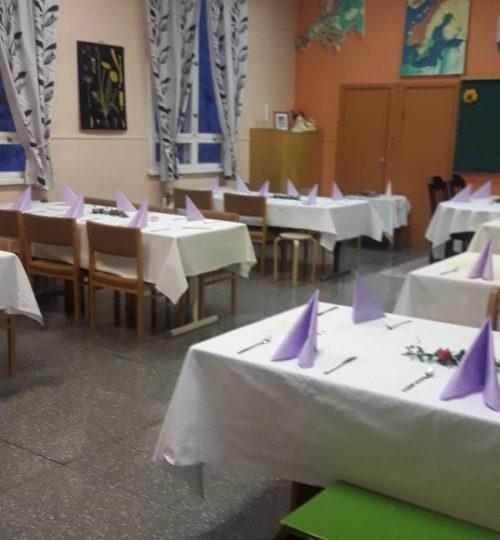 Luokkahuoneesta ruokailutila